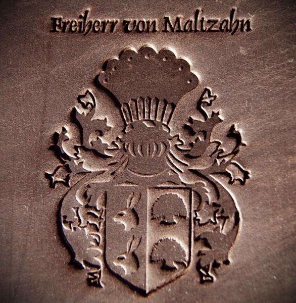 Baron von Maltzahn Wappen in Leder